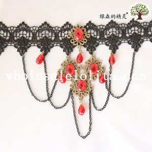 Elegant Vintage Gothic Black Lace Flower Collar Choker Red Gem/Ruby Pendant Necklace