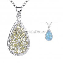 Fashionable Platinum Necklace with Deep Blue Heart Pendant for Versatile Occasions