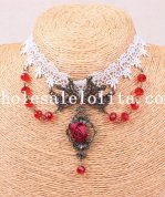 Beautiful White Lace Collar Choker Pendant Necklace with Green Crystal
