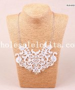 Graceful White Lace Flower Necklace for Women