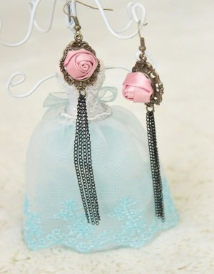 Gothic Pink Rose Lolita Earrings MTE05